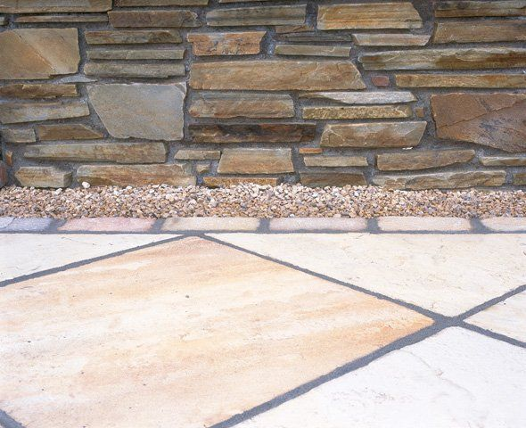 Brown Quartz Walling / Indian Sandstone